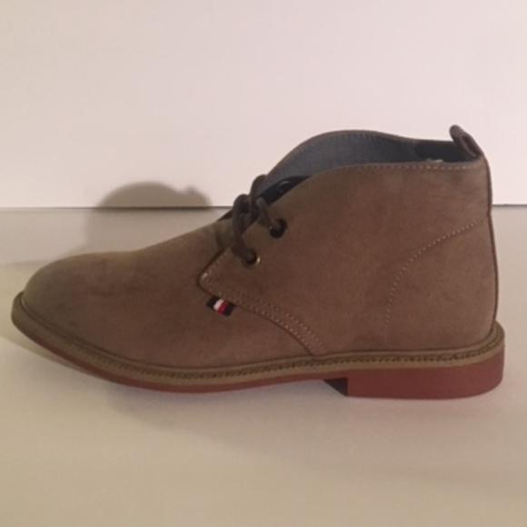 5b62b5fad1f Tommy Hilfiger Kids Shoes - Size 13